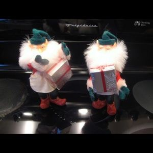 Other - Set of 2 Christmas Elves Carrying Godiva presents